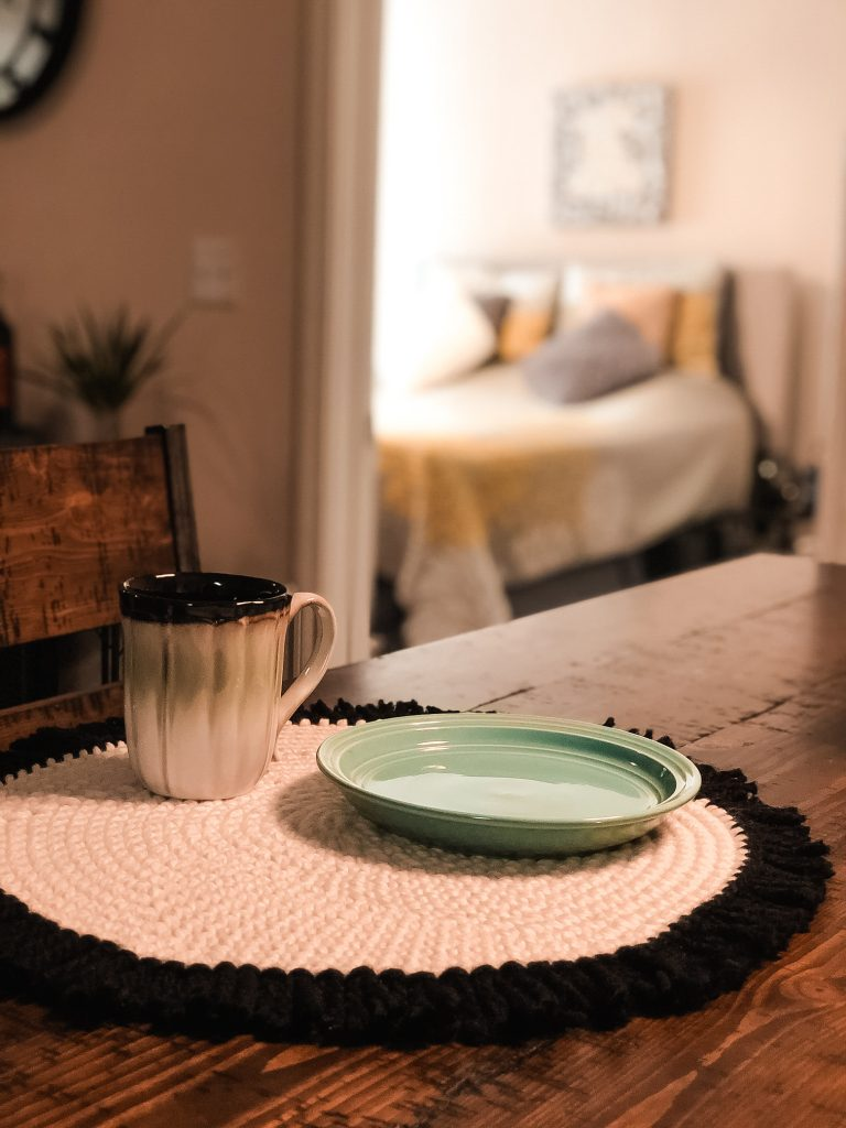 Free Crochet Round Placemats Pattern in white