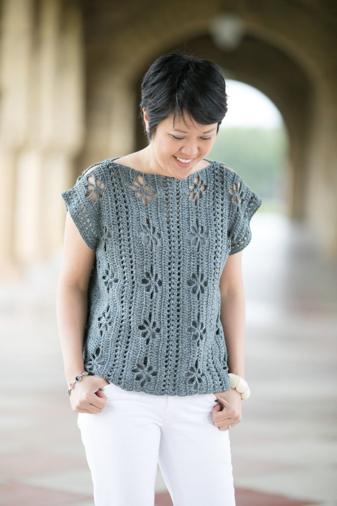 crochet top pattern in gray for summer