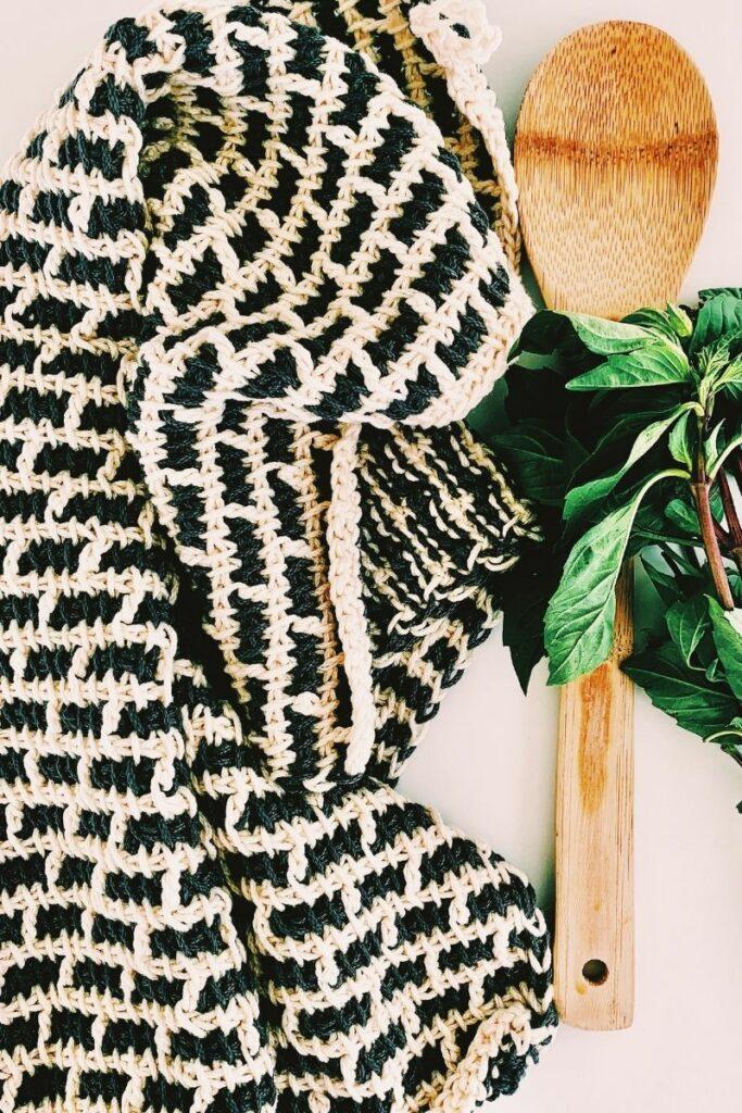 crochet dish towel made with cotton yarn