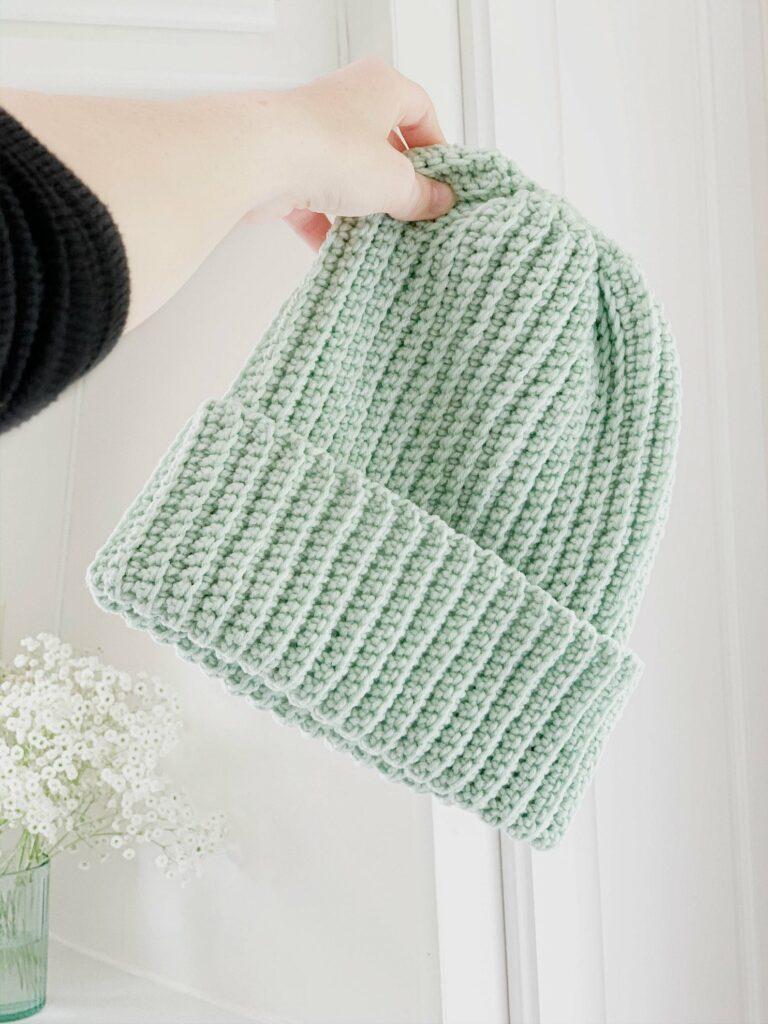 a beginner friendly crochet beanie pattern