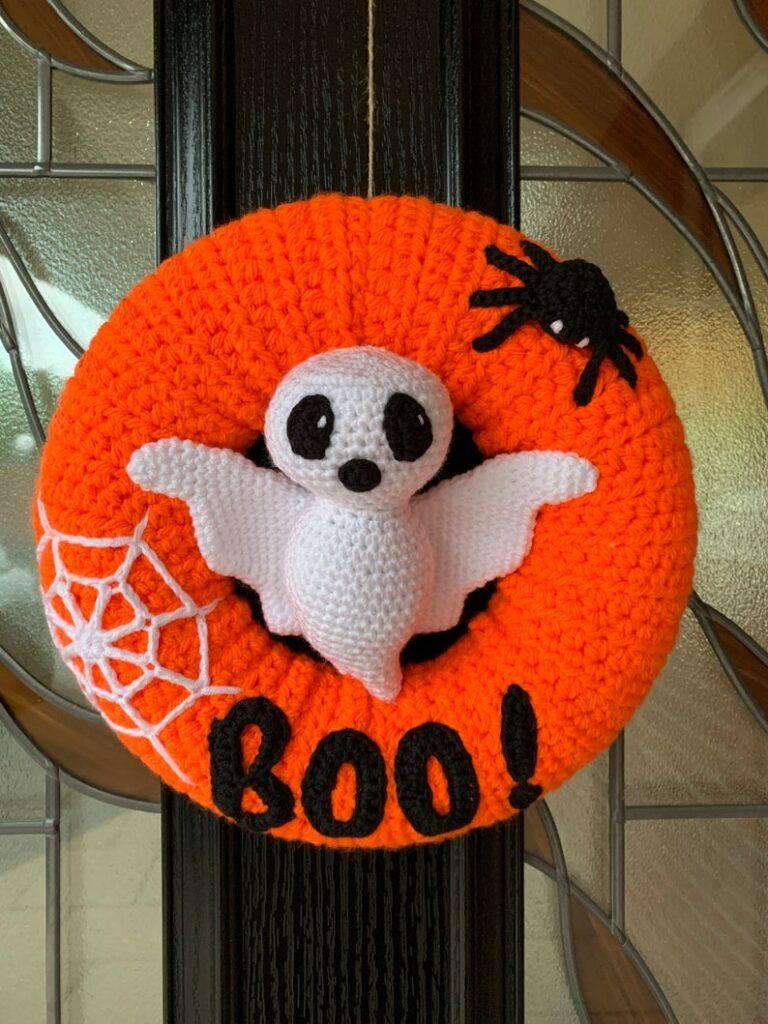 halloween crochet pattern ghost wreath