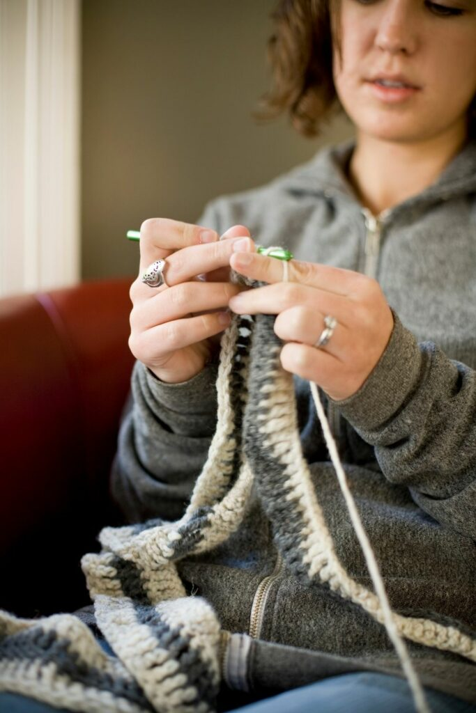 can crocheting help with anxiety