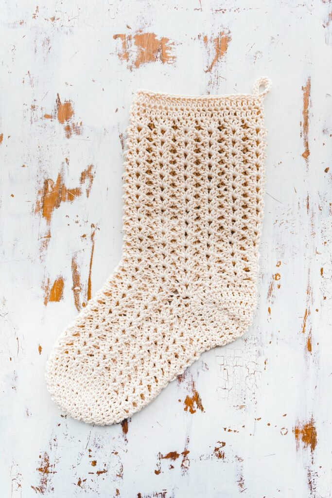 farmhouse crochet christmas stocking pattern